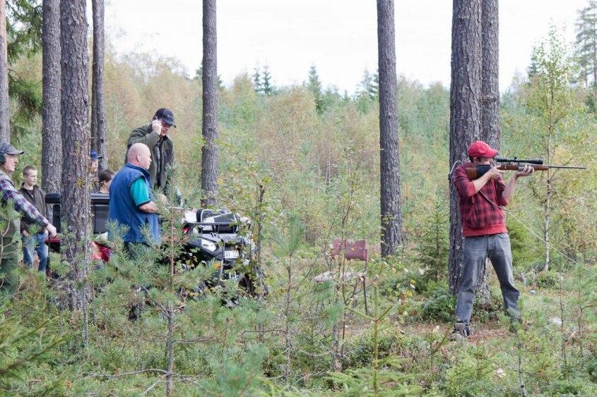Lennart skjuter på 2011 års stig