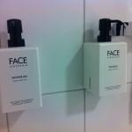 Faceprodukter i badrumen