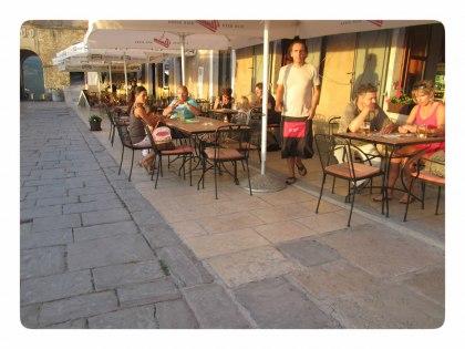I Motovun finns det många gemytliga barer och restauranger att välja på