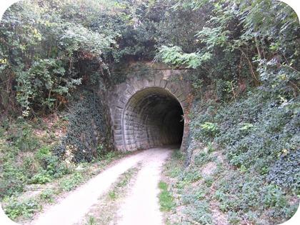 Den gamla romerska järnvägen ligger i nära anslutning till huset
