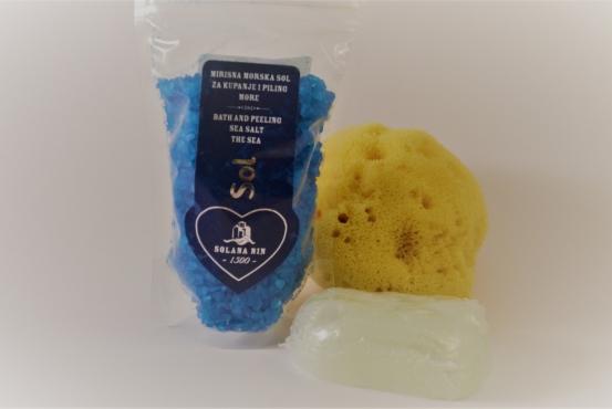 Havsbris presentpaket - Badsalt Havsbris 130gr, mjukgörande tvål cirka 75gr & naturlig havssvamp 10-13cm