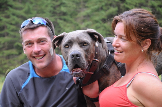 Bo, a mixed breed, with his owners Peter and Maaike