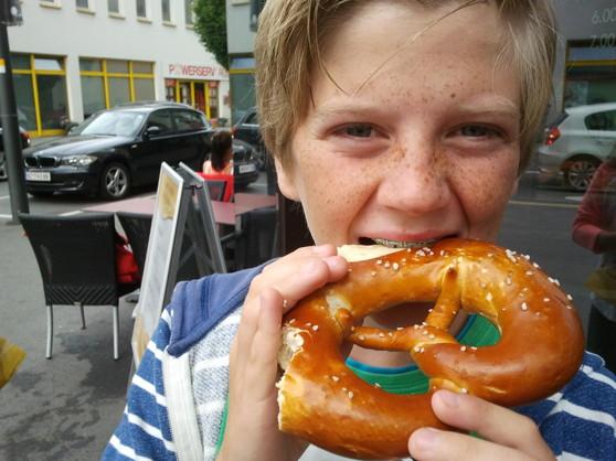 "Bas tries an Austrian ""pretzel""."