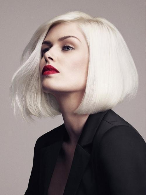 Svart snygg kontrast till blont hår.