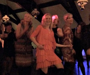 Tanter som dansar.