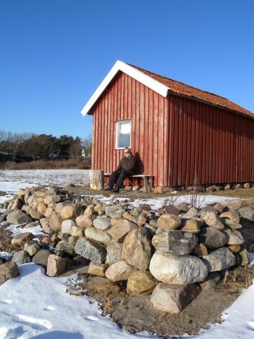 Sverige är fullt av små fina stugor som man både kan leka i och gömma sina hummertinor i.