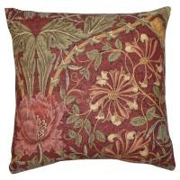 Kudde William Morris - Honeysuckle and Tulip Vinröd