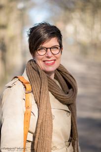 Maria Holm, Bandhagen, Litteraturvetare, 49 år