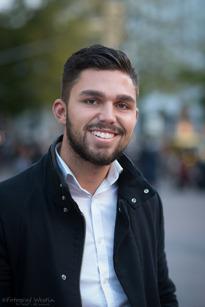 Oliver Khaldi, Sollentuna, Säljare, 24 år
