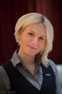 Mikaela Taberman, Handen, Servitris, 21 år