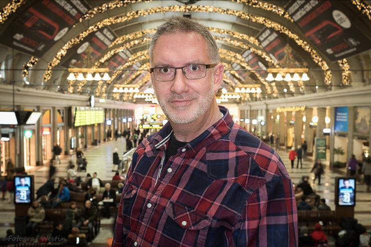 Åke Westin, Vasastan, Fotograf, 51 år, självklart måste jag ta min bild på T-Centralen där jag träffat många av er.