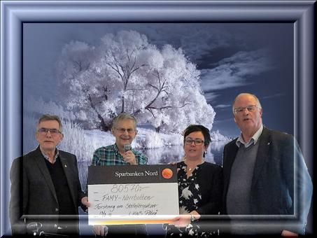 Piteå Lions, Lennart Nordmark och Kenneth Holmlund, överlämnade 80 570 kr till föreningen i samband med årsmötet 2016. TACK Piteå Lions!