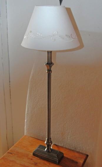 Victoria lampfot från Lene Bjerre. Färg antik silver. 65 cm