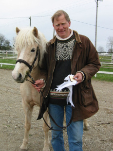 """Ove med sin """"My litle pony""""-häst Gáska från Charlottenborg vid Austurtävling."""