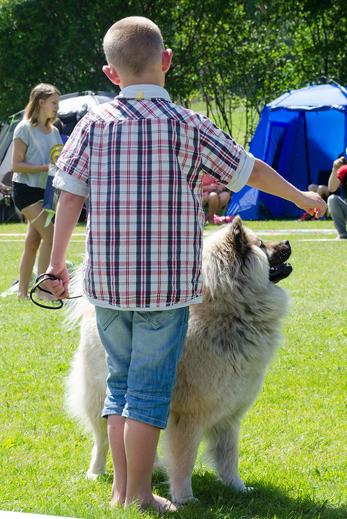 Barn med hund, här är Liam med Kelly