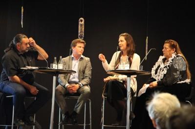 Panelsamtal med Mikael Olsson, Integrationsminister Erik Ullenhag, Mirelle Gyllenbäck (romsk aktivist och frilansjournalist) och Rosita Grönfors (Internationella Romska och Resandekvinnors Forum).