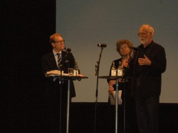Migrationsminister Tobias Billström, professor Elspeth Guild och tidigare minister Jan O Karlsson under Migrationskonferens