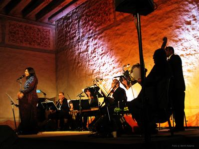 Reem Kamal och musiker från Kairo Operan på Vadstena Slott