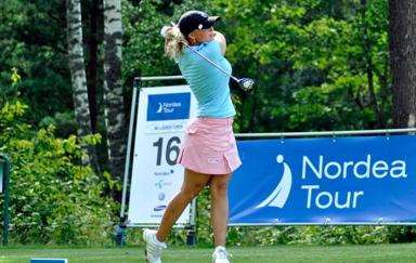 Julia Davidsson -klicka på bild för att komma till Julias hemsida