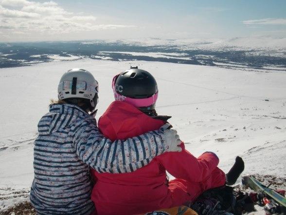 Syskonen Eriksson njuter på toppen av lillskarven