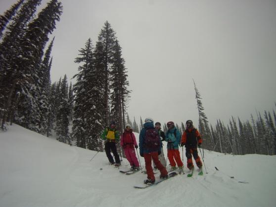 Stiligt uppradade vänner och en jävla snowboarder som inte fattar hur man är med på bild :P