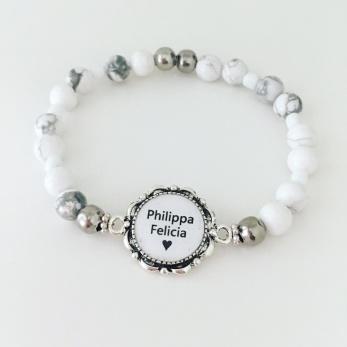 Namnarmband - vita pärlor