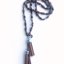 Halsband - träpärlor och tofs i brunt