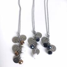 Initialer med pärlor