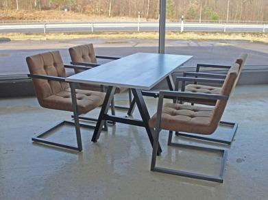 5 Bordet Eframe och stolen Wellington