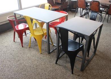 Coffe Shop  60x70 och 120x70 med Detroit stolar