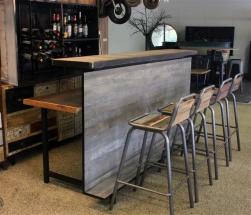 Bar byggd utav Expand
