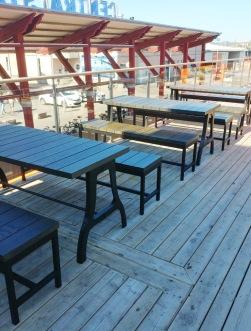 Bänkar och bord i Solid mörkbetsad Ask