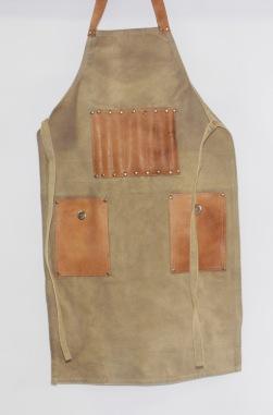 Kanvas förkläde med läderdetaljer