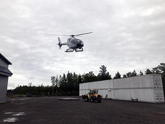 Här ses vår EC120 lyfta från basen i Länna.