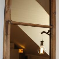 gammalt fönster spegel lgh Gällareds B&B