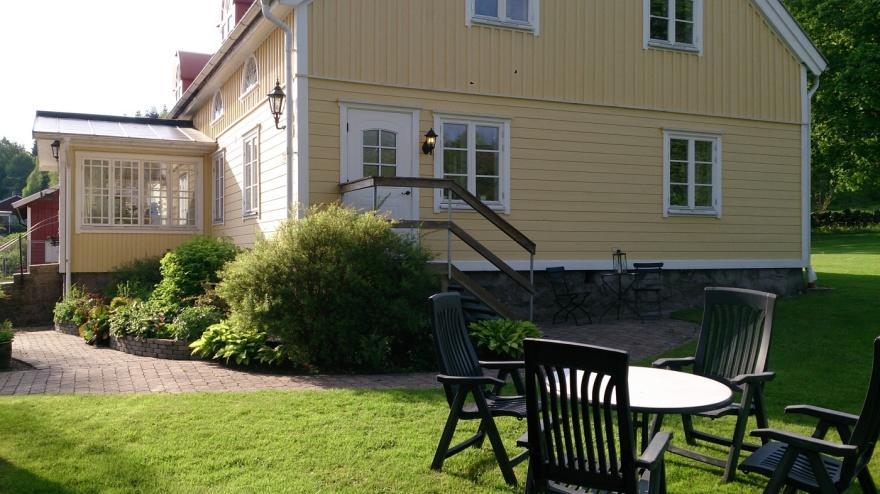 Ingång till Lilla och Stora lägenheten på Gällared 710