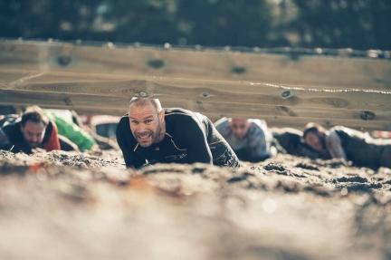 Bilden: 70 meter långt kryphinder i sand.