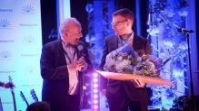 Stig Dahlgren, ordförande Företagarna Orust och Mikael Skoglund, M Skoglund Bygg AB - Årets Unga Företagare.  Foto: Joakim Jalin, Jalin Foto
