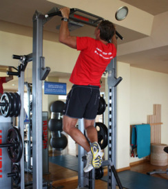 Chin ups - the most important upper training for a swimmer