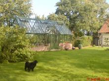 Trädgård utanför Ystad. Omfattande nyanläggning av trädgård med växthus, jordkällare, damm mm. Foto & design Fredrik Hansson
