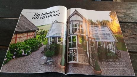 Välkommen till Furutorps trädgård! Den kringbyggda korsvirkesgården byggdes 1840. Bilderna på växthuset är från tidningen Drömhem & Trädgårds (nr.10, 2018) med ett reportage om växthuset som stod klart 2016.