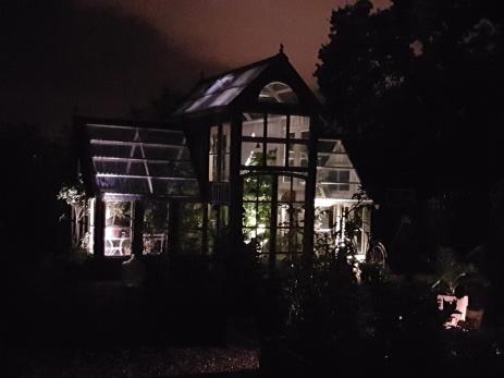 Välkomna på Månskensrundan den 6:e okt kl.17-21. Njut av spännande ljusinstallationer av olika slag i trädgården som garanterat kommer att inspirera dig!