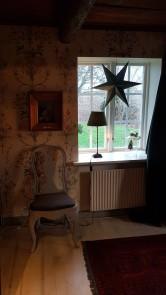 Sovrummet har iår fått nya stjärnor av grönmålad faner.