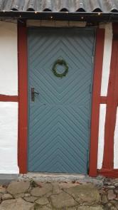 Små, skira dörrkransar med material från naturen är fantastiskt vackert.