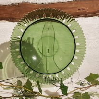 Grön glasskål