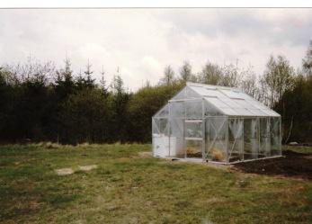 Första bilden på mitt växthus som pappa köpte när jag var 10år.