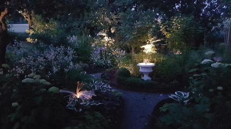 Skymningsträdgården, ett spännande projekt i vår trädgård som blev klart våren 2019