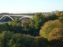Utsikt mot Rålambshovsparken och Västerbron.