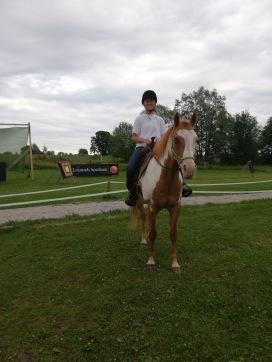 En bra kombination: duktig skytt och duktig ryttare, recurveskytten Meia! Foto: cyroo.se