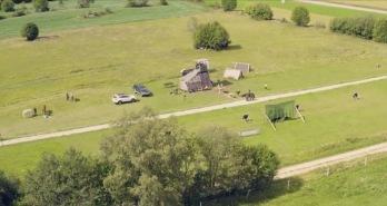 Leksands Sparbank gav Stiko-Per ett sommarjobb att kartlägga corona-anpassade aktiviteter i Siljansbygden! Foto: Drönarbild